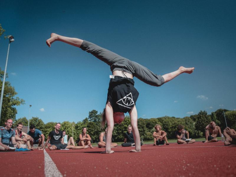 movisionmovement-handstand